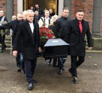 Här tar vännerna farväl av Leif Axmyr
